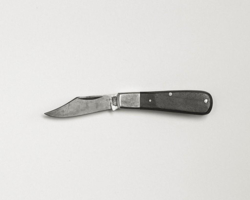 Continu-um; a photographic duo. Knife, Hidden Supply
